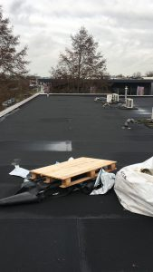 bitumen platte en licht hellende daken